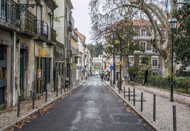 Studio in Lisbon - Loving Lisbon Flores