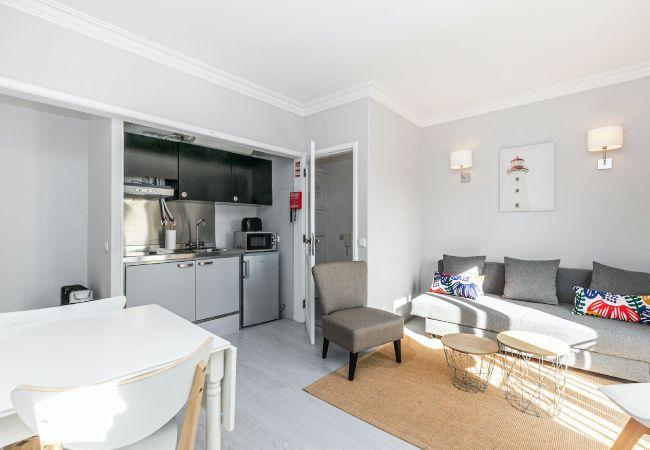 Apartment in Cascais - Bright Valadim Apartment